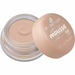 Essence soft touch mousse make-up 04