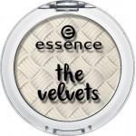 Essence the velvets eyeshadow 01